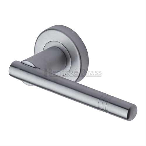 Door handle 47. Polished chrome, matt chrome